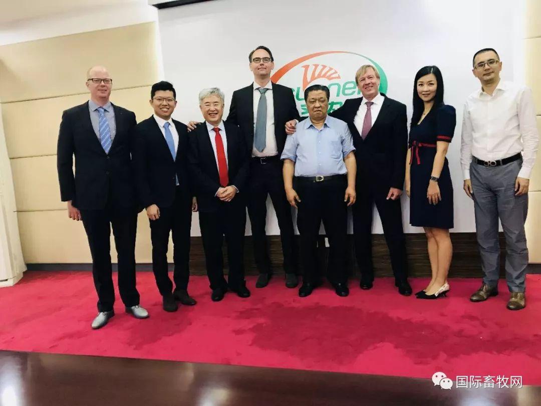 亚洲最大肉鸡生产加工企业与梅恩合作之旅